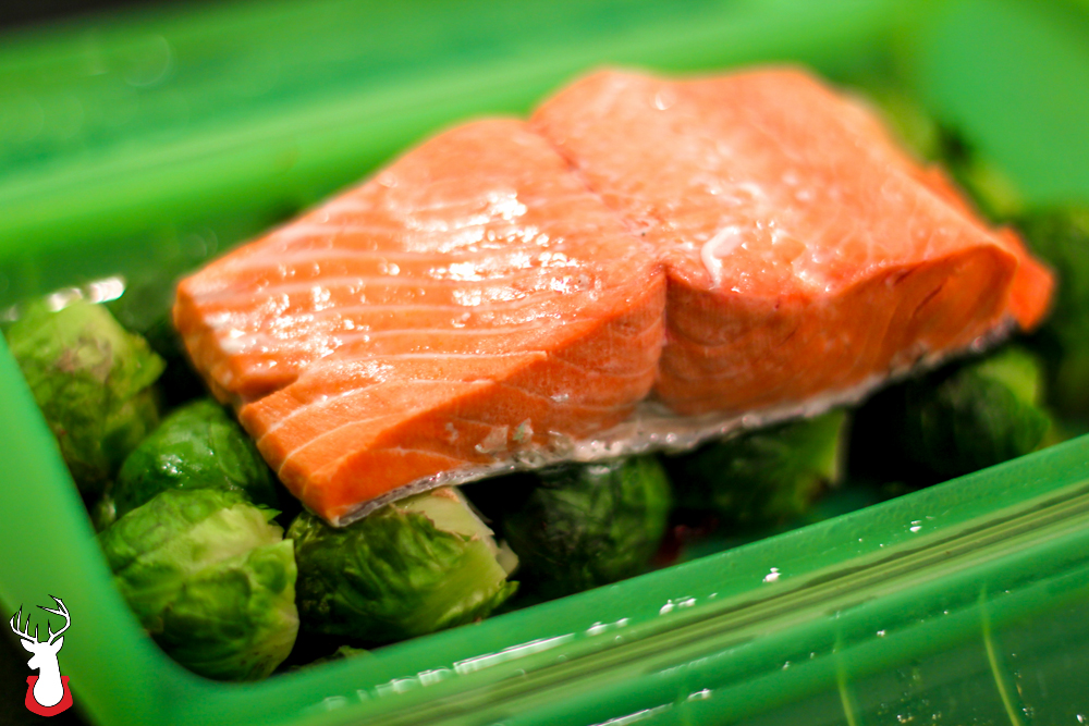 G@H: We're busy tonight, so we made salmon and Brussels sprouts in our @Lekue Steam Case.